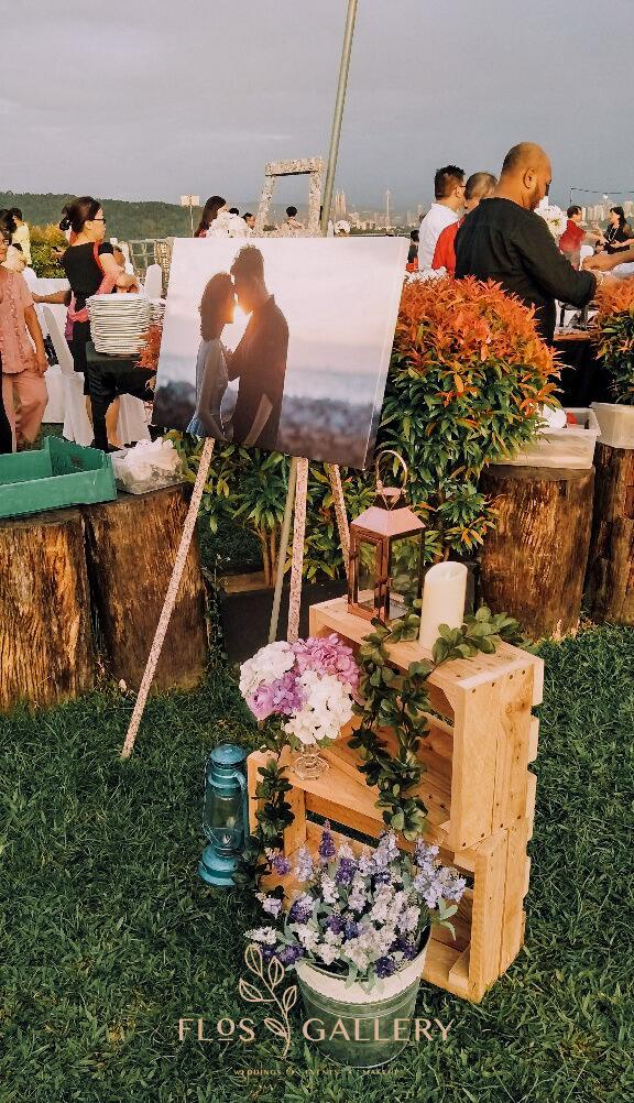 A Romantic Rooftop Garden Wedding in The Roof - Tobe + Yolanda